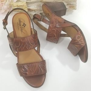 Patricia Nash Tomana Block Heel womans sandal 7.5